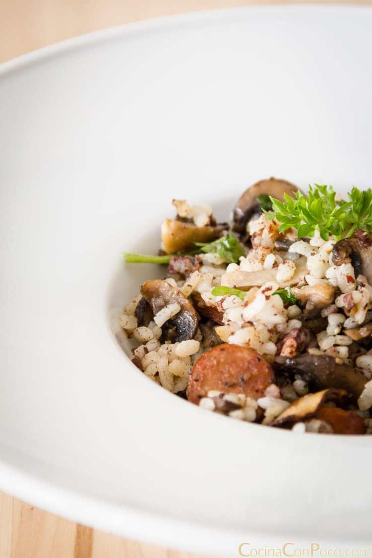 salteado de setas morcilla y arroz