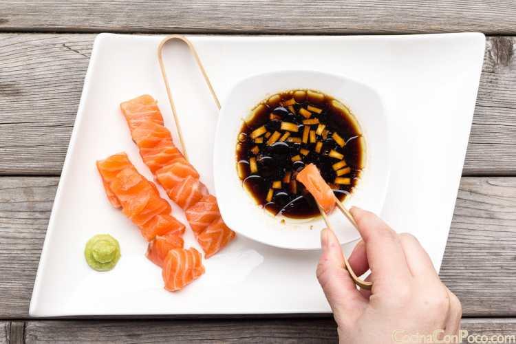 """Sashimi de salmón con salsa """"Cocinaconpoco"""""""