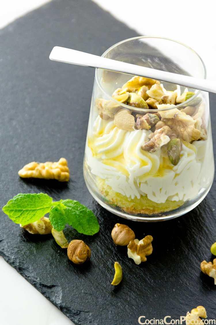 Capricho turco con frutos secos y miel