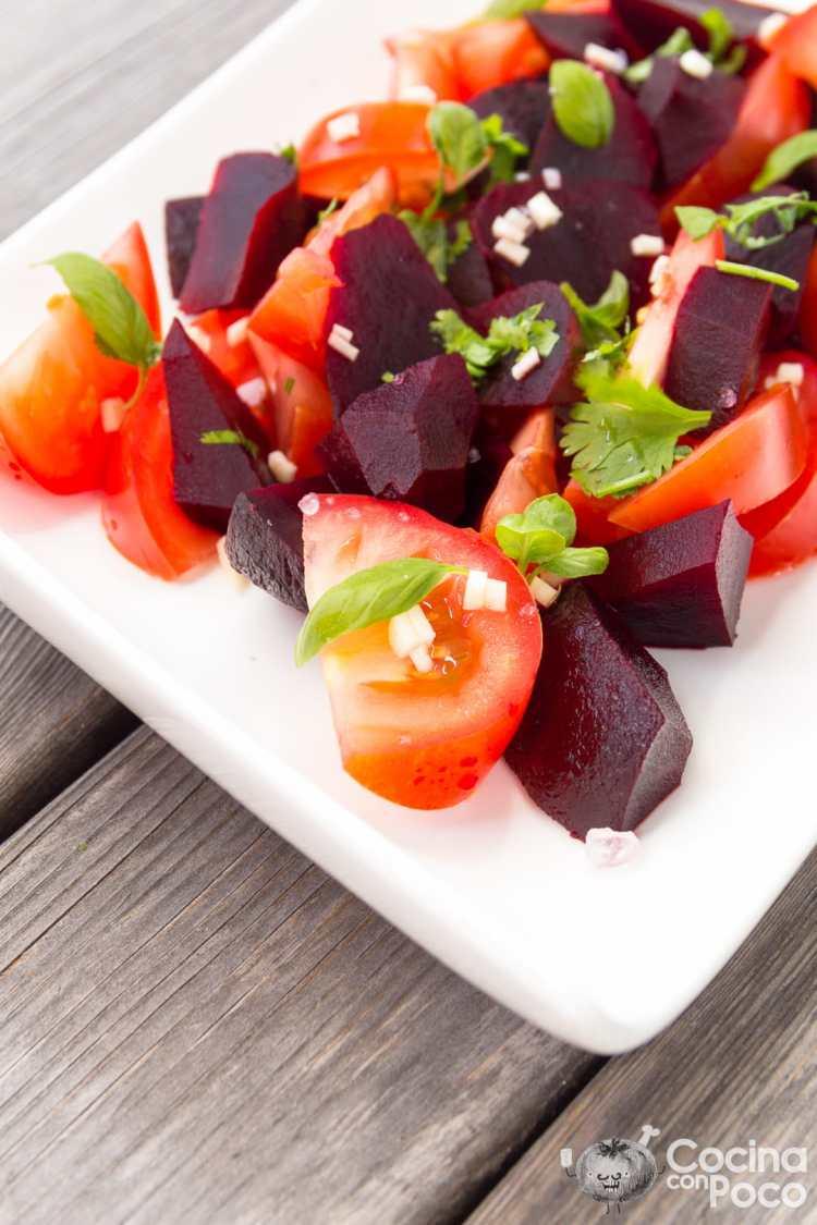 Ensalada de tomate y remolacha