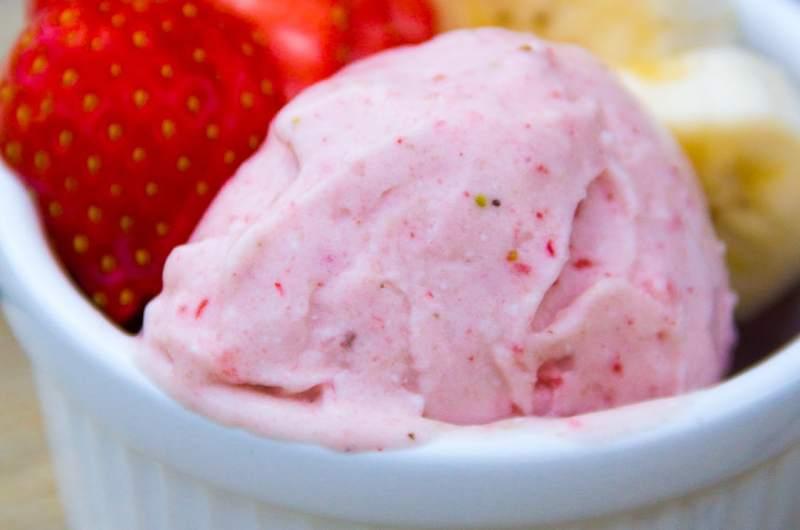 Helado de fresa casero sin heladera y vegano
