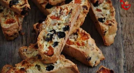 biscotti italiano con almendras y pasas