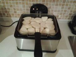 pulpo a feira al horno - freímos las patatas