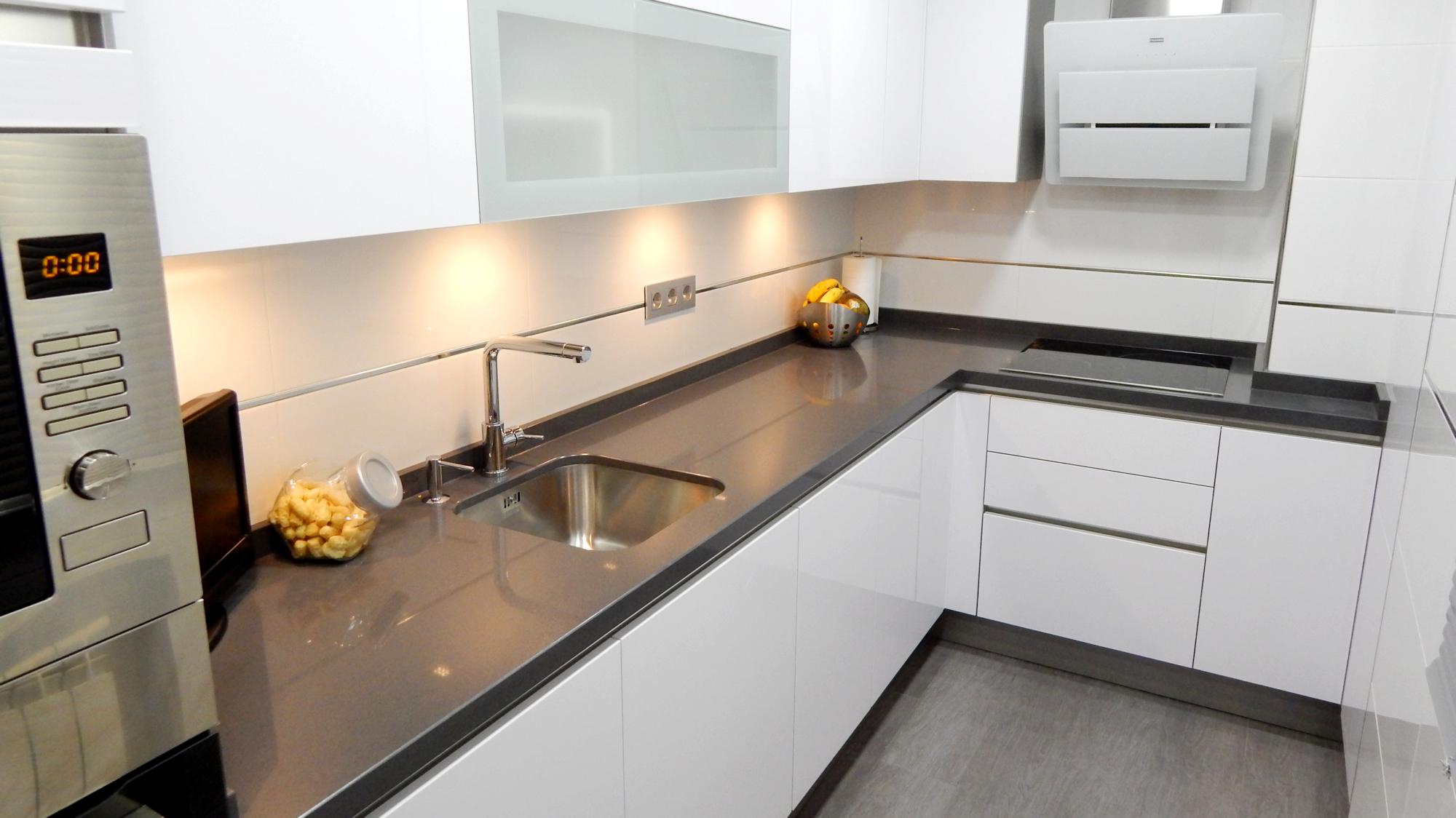 Muebles de cocina en blanco polar  cocinasalemanascom