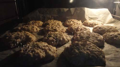 Maxi-galletas con avena y coco: horena a 170ºC durante 10-15 minutos