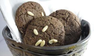 Cookies de algarrobas y piñones: pruebalos!