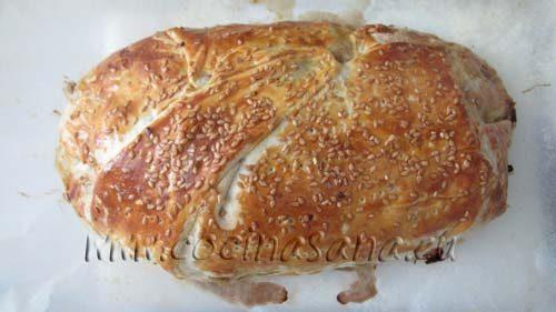 Hornea a 200ºC durante unos 50 minutos hasta que el pan esté cocido, la costra del pan debe quedar firme y tener un color dorado.