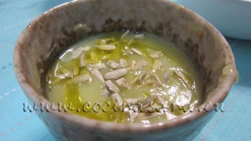 Tu aperitivo sano y ligero está hecho! la crema de calabacines es sencilla de preparar.
