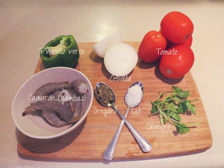 Ingredientes para el consomé.
