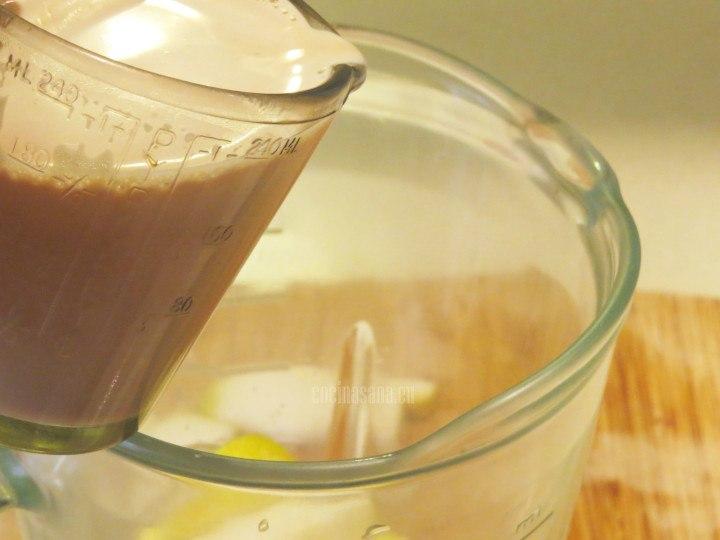 Agregar el Chai  a la preparación con pera, añadir tibio o a temperatura ambiente
