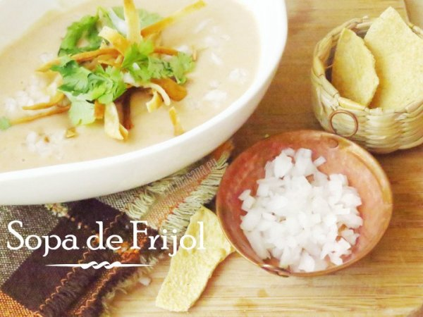 Sopa de Frijol mexicana