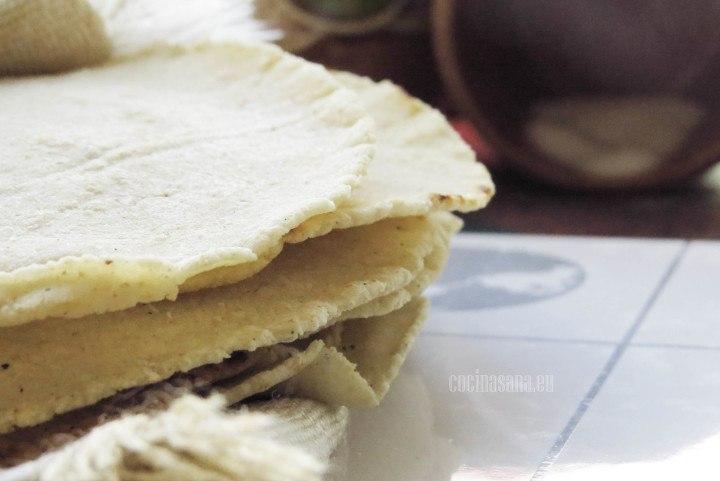 Tortillas caseras elaboradas con harina de maíz