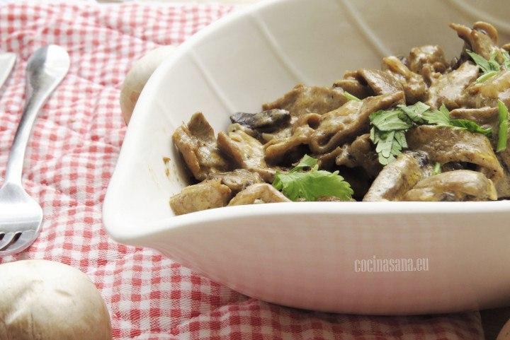 Carne con Champiñones aromatizada con un poco de cilantro