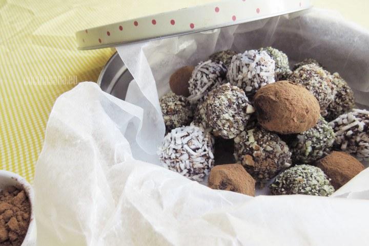 Surtido de Trufas de chocolate amargo con diferentes cubiertas