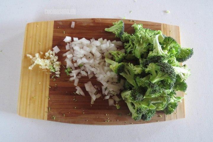 Picar las verduras finamente