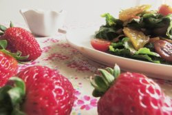 Ensalada y Fresas
