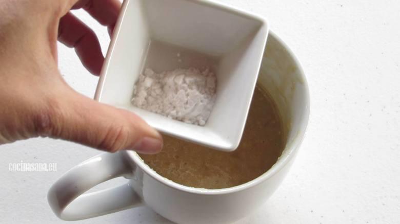 Añadir Ingredientes Secos a la preparación y mezclar perfectamente con el resto de los ingredientes.