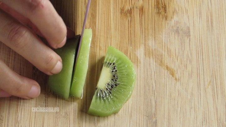 Cortar el Kiwi