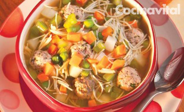 sopa de verduras y albndigas  Cocina Vital  Cocina Vital