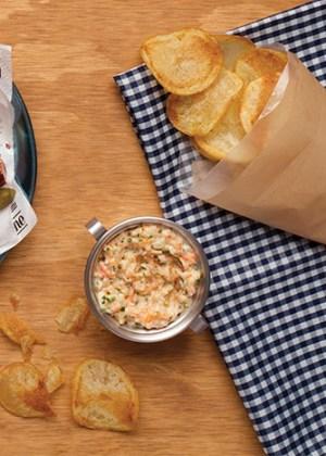 Dip de surimi con chips de papas