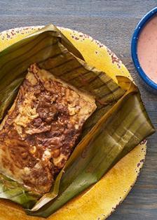 tamales-de-mole-poblano-con-queso-oaxaca