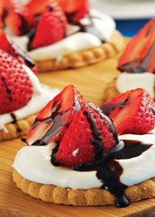Receta de montaditos de fresa al balsámico - Recetas de postres