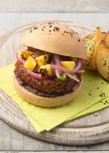 hamburguesa de soya al pastor y piña