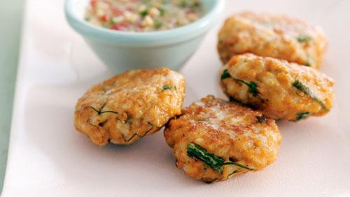 Buuelos con trozos de pescado receta para nios  comida