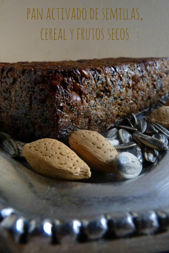 Pan activado de semillas, cereal y frutos secos, con miel y aceite de oliva