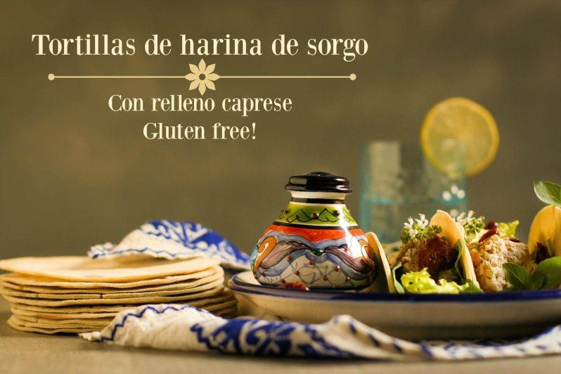 Tortillas de harina de sorgo con relleno caprese + vinagreta de albahaca. Gluten free!