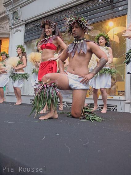 Danse tahitienne à la délégation ©cocineraloca.fr