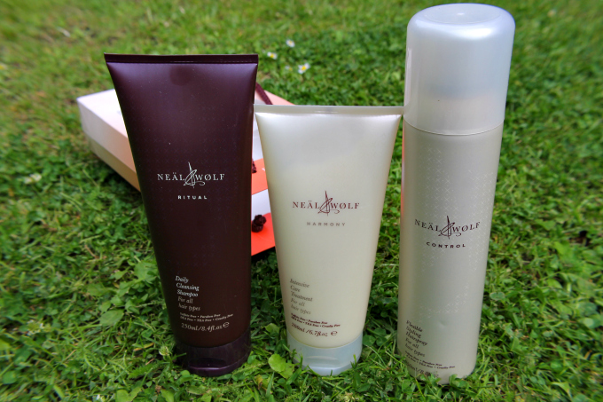 Cocktails in Teacups Neal & Wolf Summer Solstice Gift Set Review Hair Care