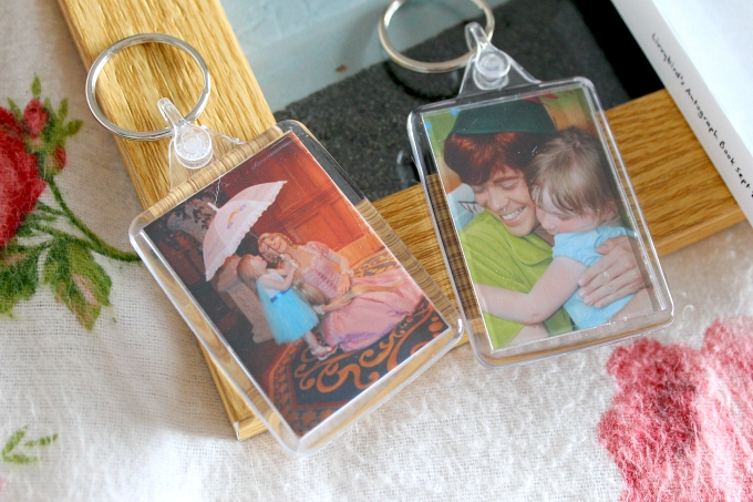 Cocktails in Teacups Lifestyle Blogger Printed Memories with Snapfish Holiday Memories Keyrings