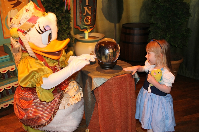 Walt Disney World April 2015, Day 8 - Hollywood Studios & Magic Kingdom Daisy Duck