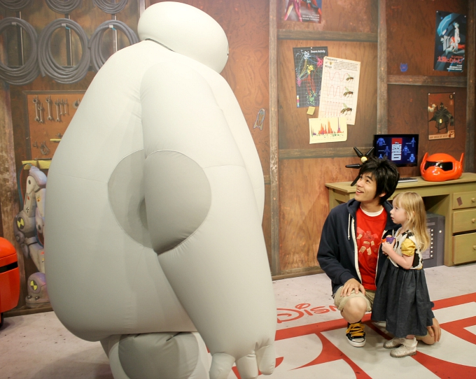 Walt Disney World April 2015, Day 8 - Hollywood Studios & Magic Kingdom Meeting Baymax