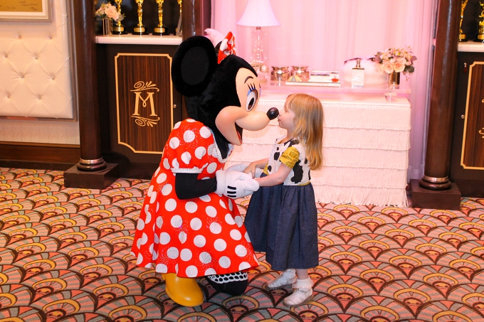 Walt Disney World April 2015, Day 8 - Hollywood Studios & Magic Kingdom Meeting Minnie Mouse