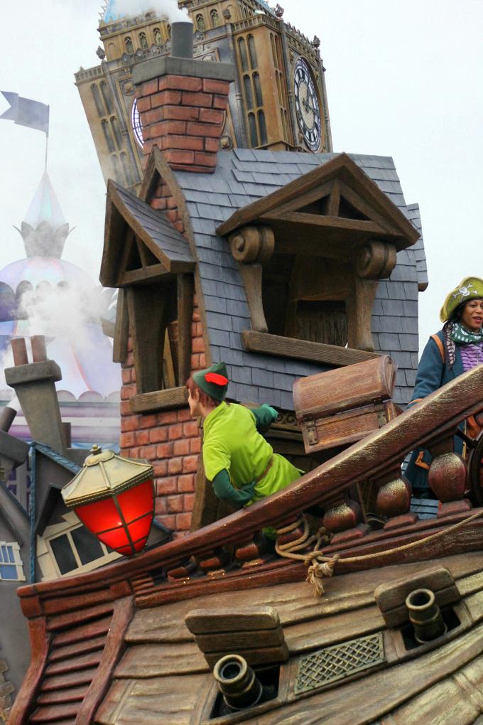 Cocktails in Teacups Disney Life Parenting Travel Blog Disneyland Paris Disney Magic on Parade Peter Pan