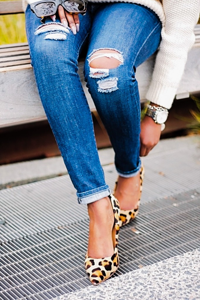 Cream Sweater Ripped Jeans Blogger Style