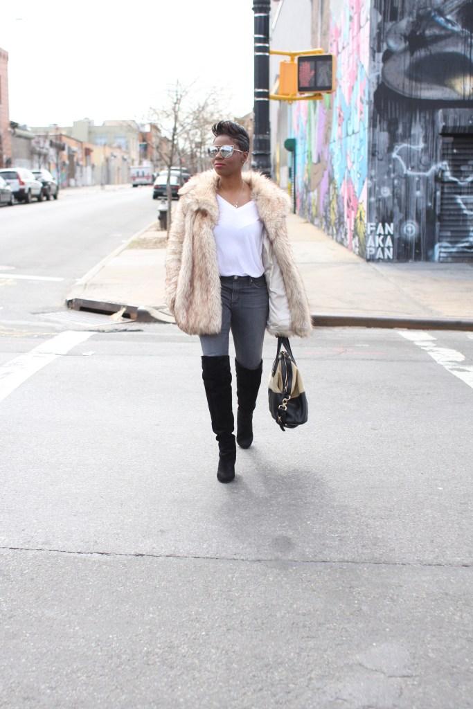 faux fur coat white top grey jeans black OTK boots mirrored sunglasses winter 2016 finale