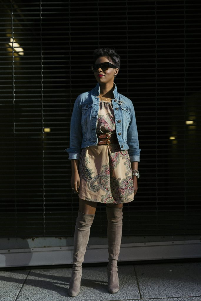 american eagle denim jacket forever 21 paisley dress stuart weitzman highland over the knee boots mansur gavriel bucket bag amber richele fashion blogger