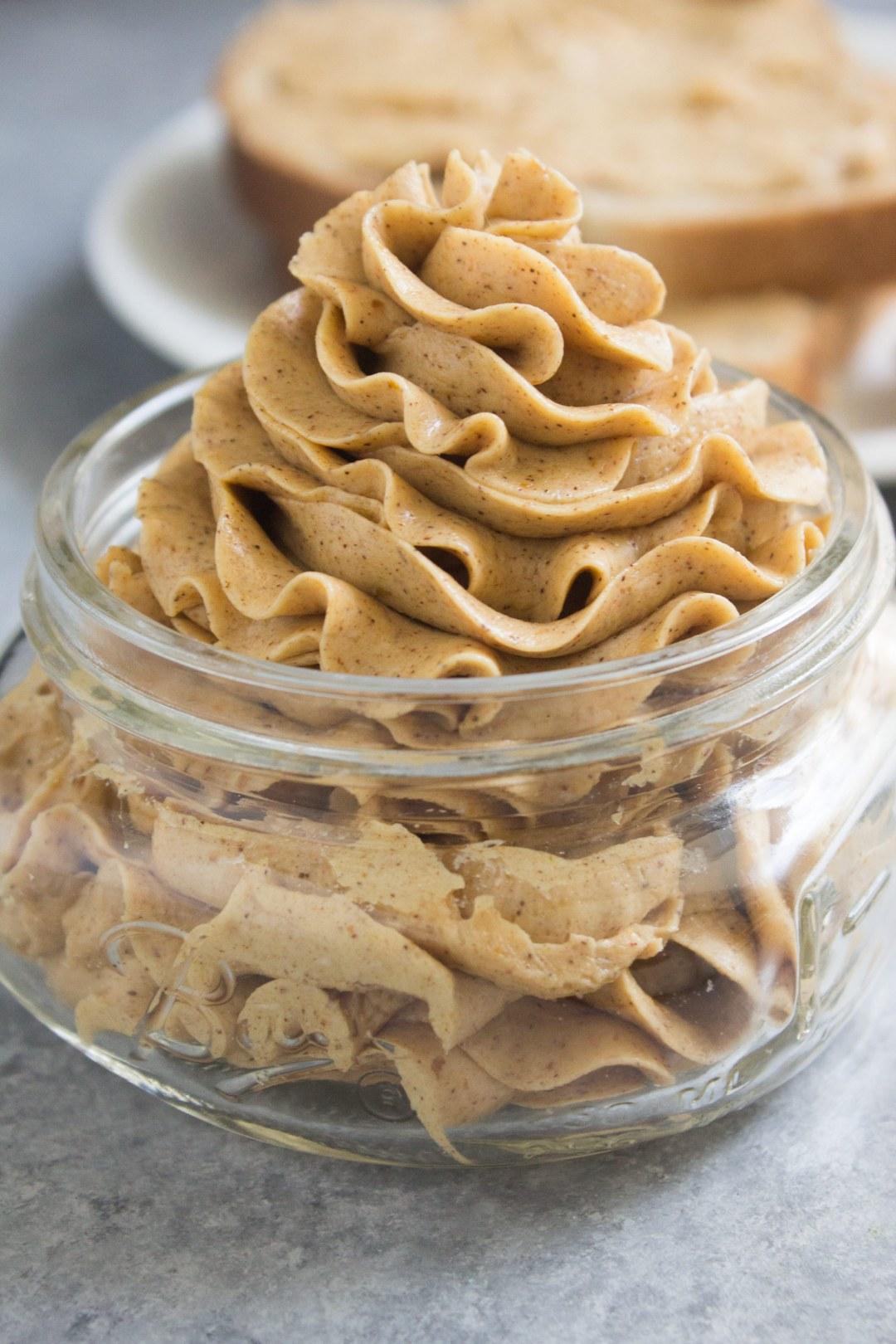 pumpkin spice honey butter, pumpkin spice, pumpkin, fall, butter, honey butter, recipe, easy, cinnamon, cinnamon butter,