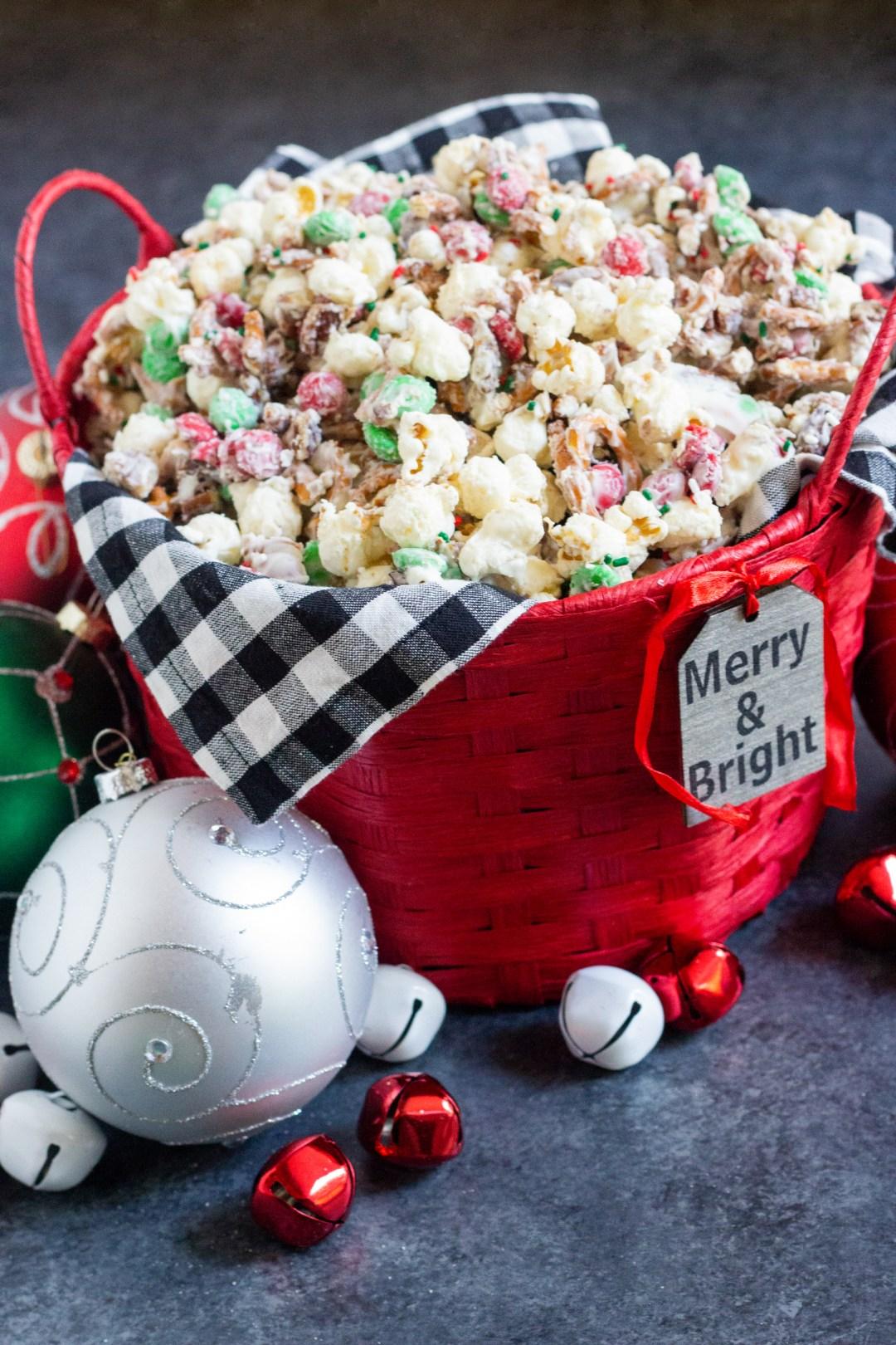 Holiday crunch popcorn, christmas crunch, christmas popcorn
