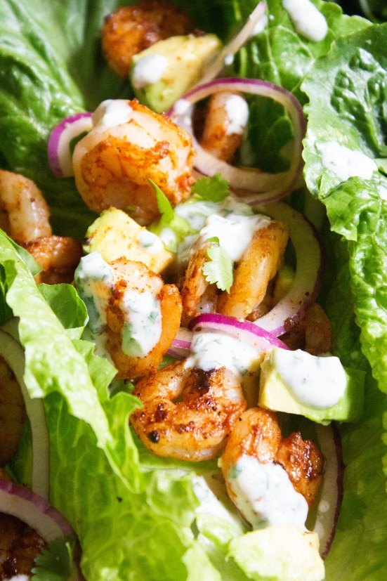 Blackened Shrimp Lettuce Wraps, shrimp wraps, shrimp lettuce tacos, shrimp avocado wrap, coco and ash, healthy dinner