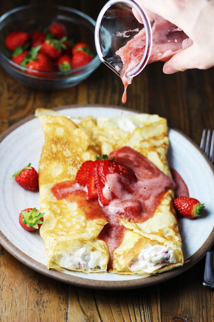 strawberry crepes, crepes, stuffed crepes, breakfast, brunch, coco and ash, recipe, breakfast recipe, strawberry recipes