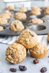 Easy applesauce mini muffins, applesauce muffins, muffins, breakfast, easy muffins, raisins, coco and ash