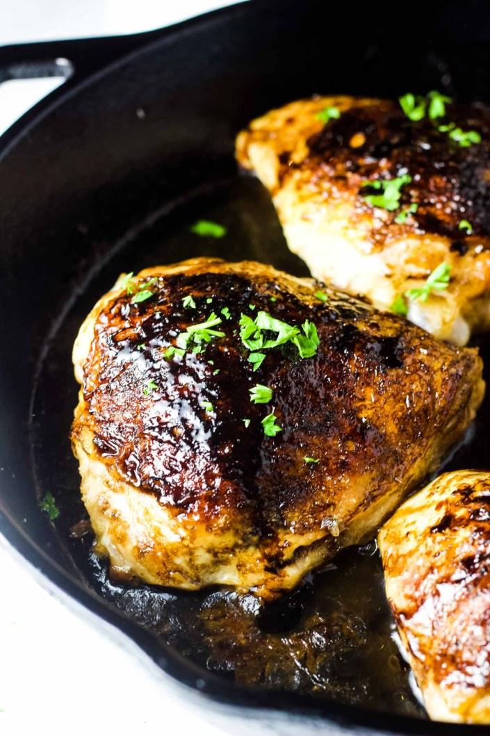 Balsamic Chicken Thighs, chicken thighs, dinner, easy dinner, weeknight meal, chicken dinner, balsamic chicken