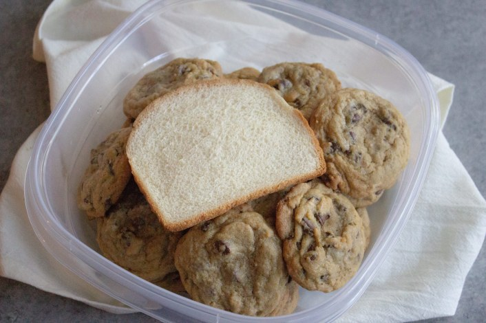 how to keep cookies from going stale, how to keep cookies fresh