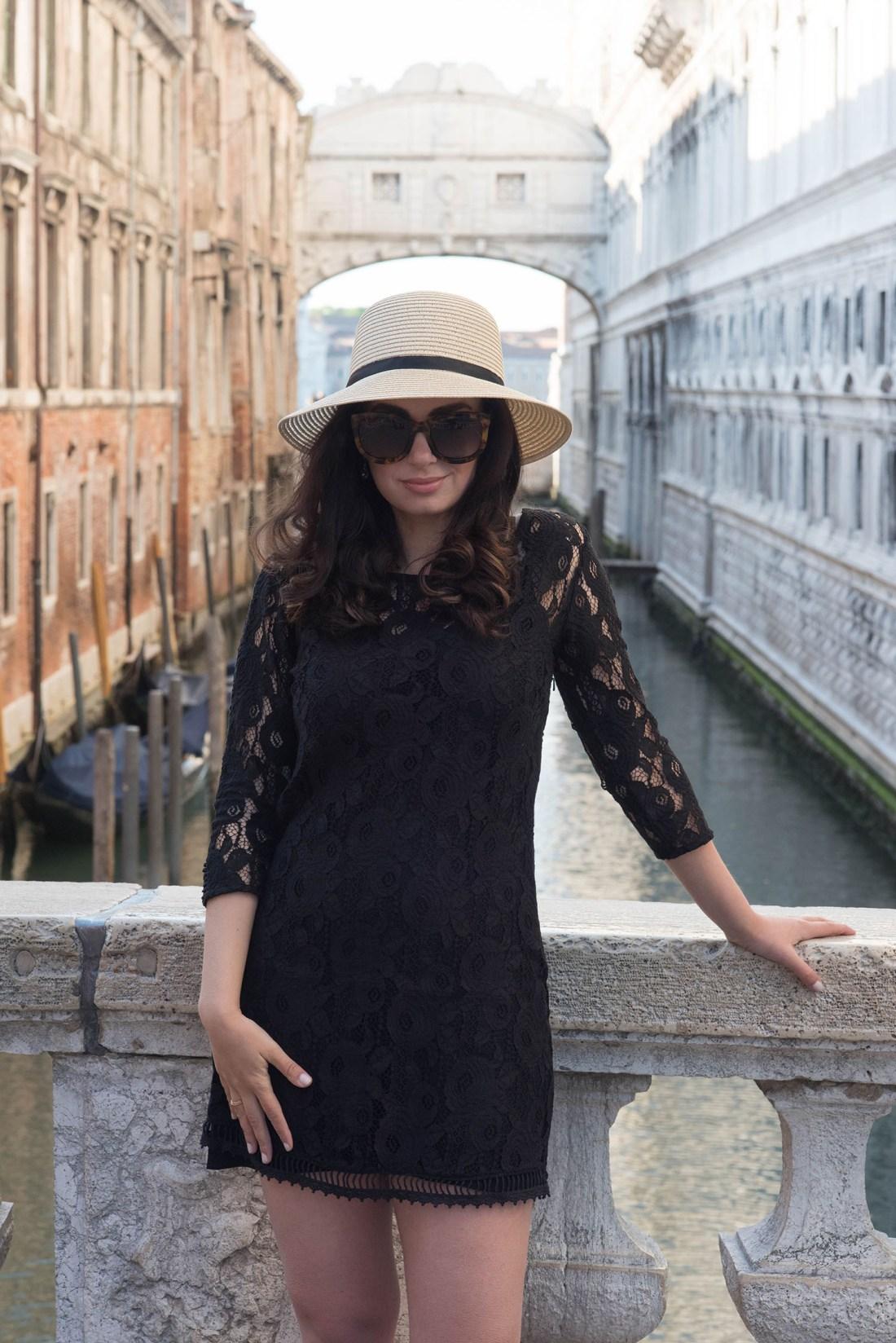 Portrait of fashion blogger Cee Fardoe of Coco & Vera wearing Anine Bing Los Angeles sunglasses and a Gentlefawn dress in Venice