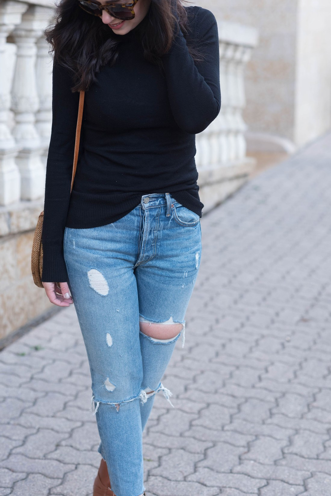 Outfit details on Winnipeg fashion blogger Cee Fardoe of Coco & Vera, including Grlfrnd Karolina jeans and Anine Bing tortoise shell sunglasses