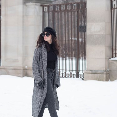 Winnipeg fashion blogger Cee Fardoe of Coco & Vera wears a Lovers + Friends checked coat and black Levi's 501 skinny jeans